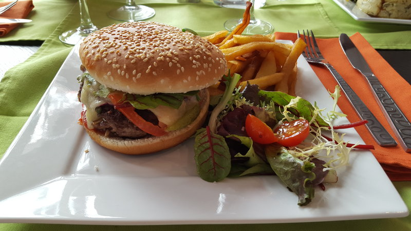 Hamburger au Cantal